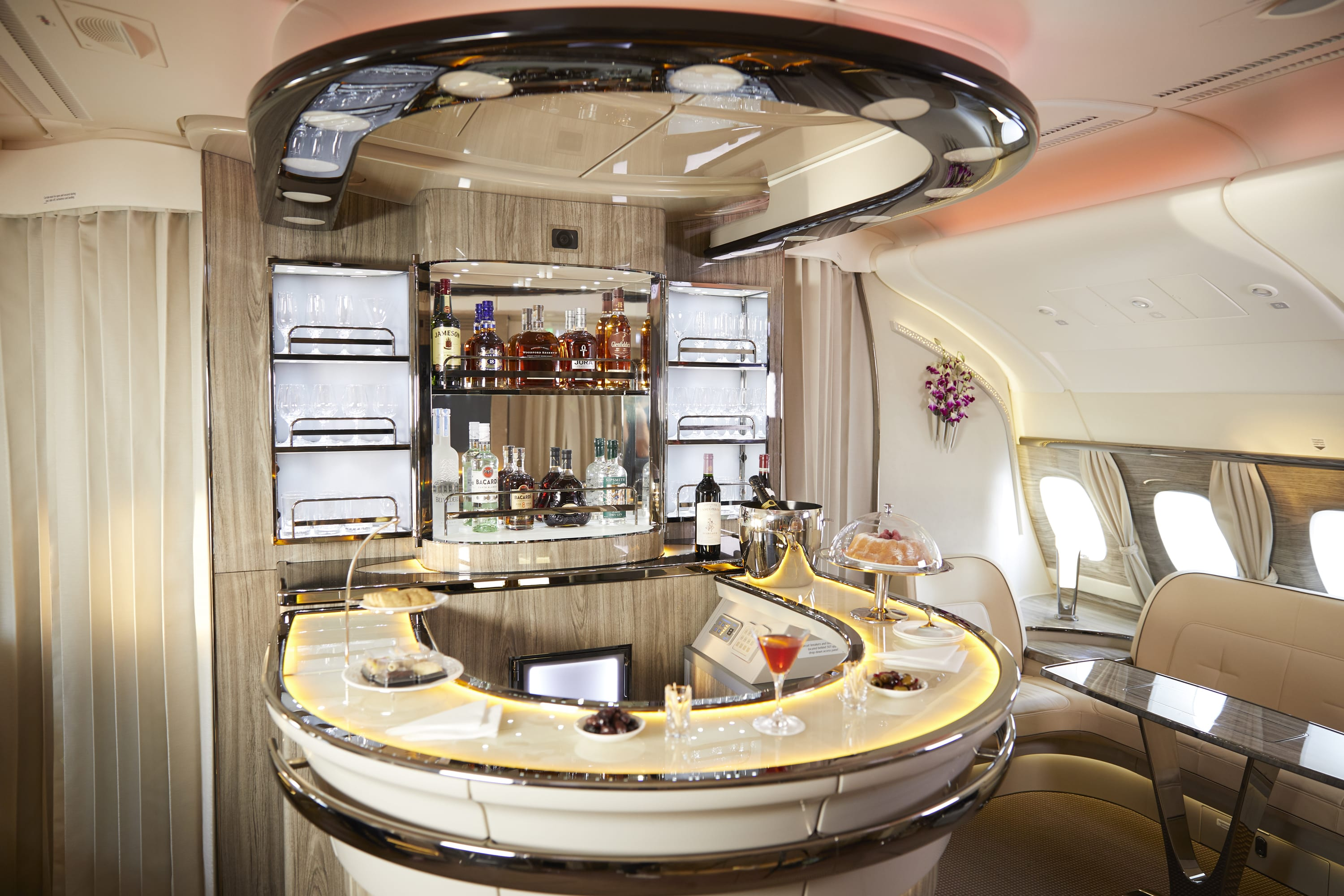 Score 16 Hours Of Emirates First Class For 80 000 Points