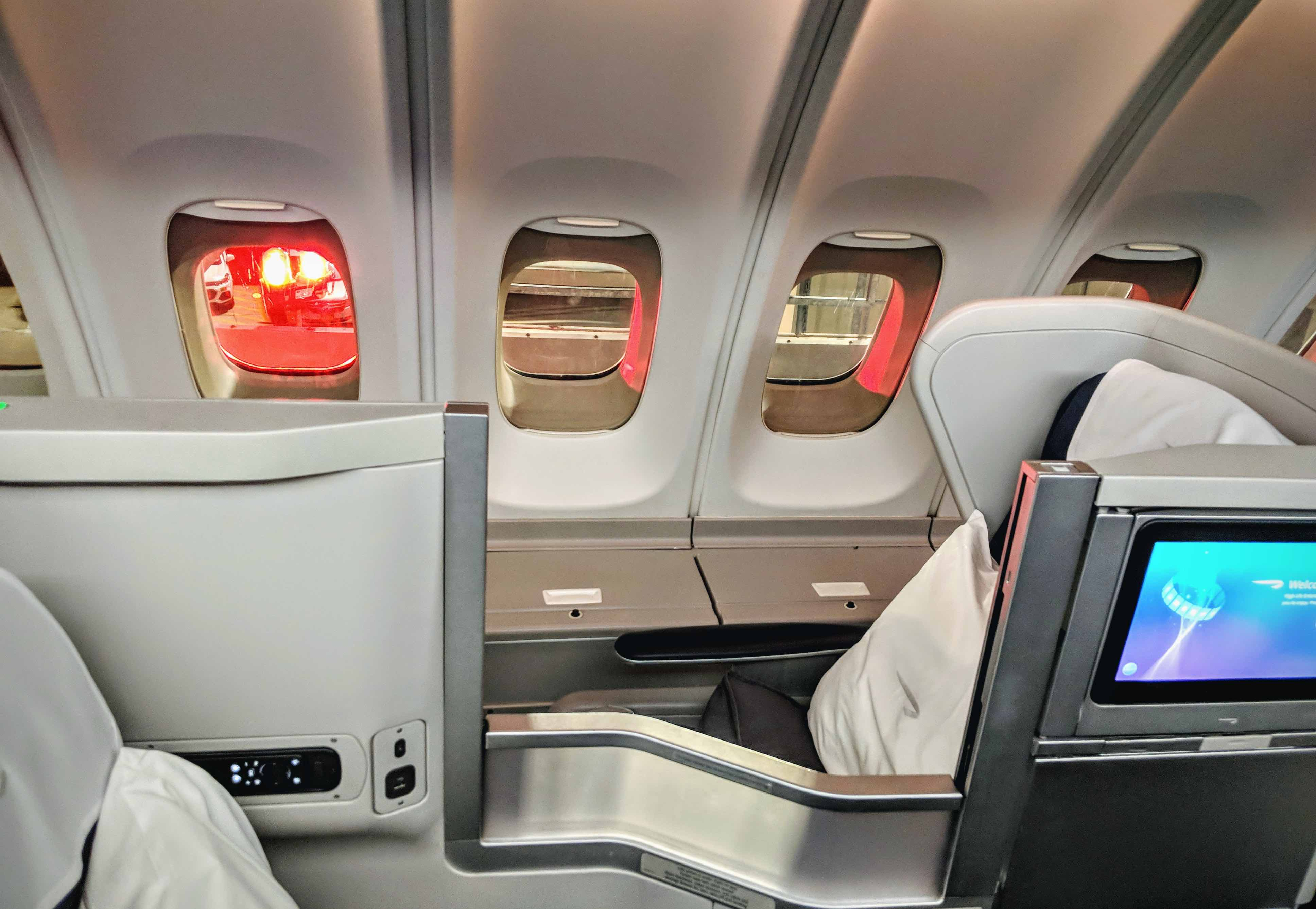 Review British Airways Iconic 747 400 Club World Upper