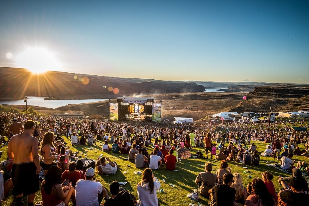 Hilton Lawn Days: Two Tickets To Hot Summer Concerts For 10K Points…